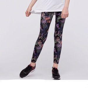 Nike Big Girl's Graffiti Sportswear Leggings, Sz M